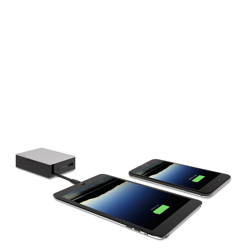 PWRSTION-12CL-BLK_FRONT-3QTR-PORTS_CORDS-CHARGING_800px