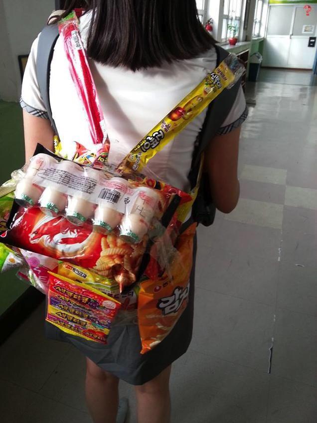 korea-snacks-pack