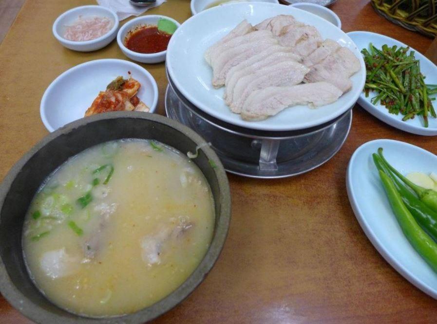 Twin-Pork-Dwaeji-Gukbap