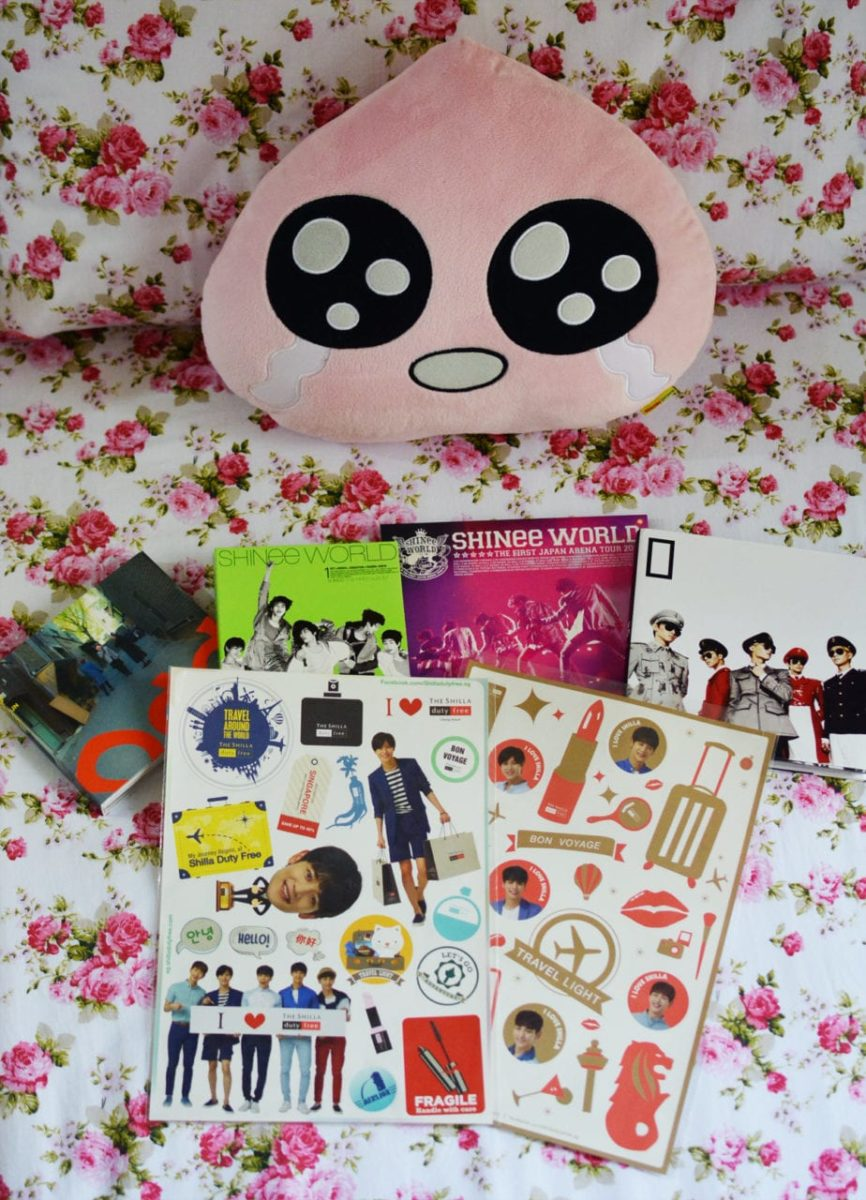 [GIVEAWAY] The Shilla Duty Free Singapore SHINee stickers giveaway