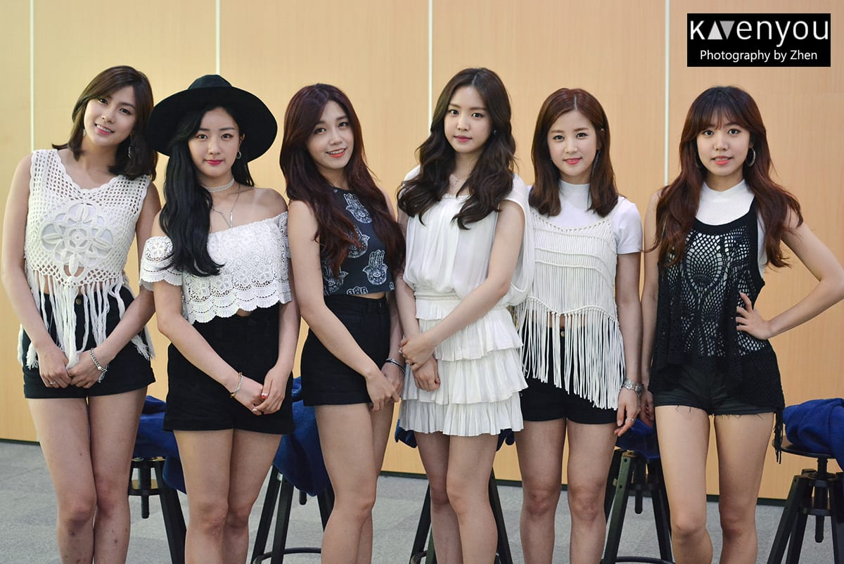 COVERAGE] Apink celebrates April 19th with Singapore Pink Pandas in
