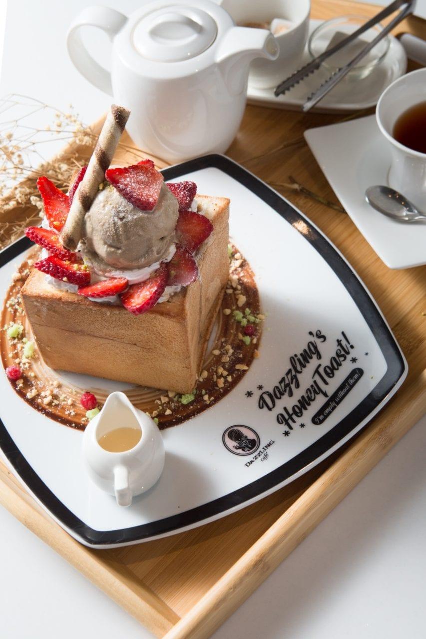 dazzling-cafe-pink-sg-Pandan-Gula-Melaka-Honey-Toast