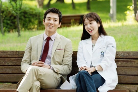 "[Paparazzi Corner] Quit being a descendant and join the ""Doctors"""