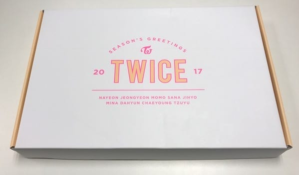 Twice Season's Greetings 2017-01