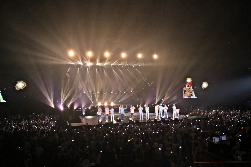 [COVERAGE] SEVENTEEN sets Carats on fire with their first concert in Malaysia!