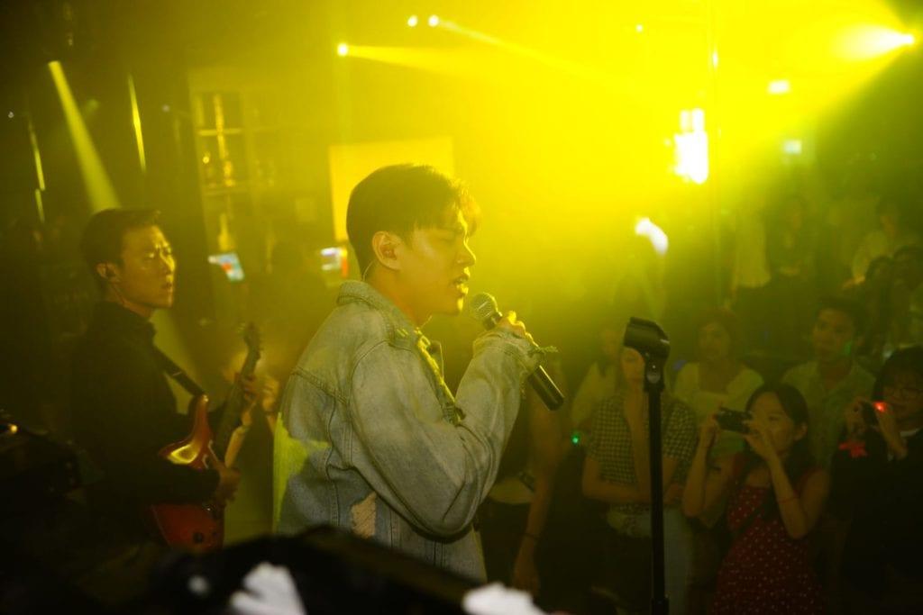 Gen Neo: Singing, songwriting and things in between