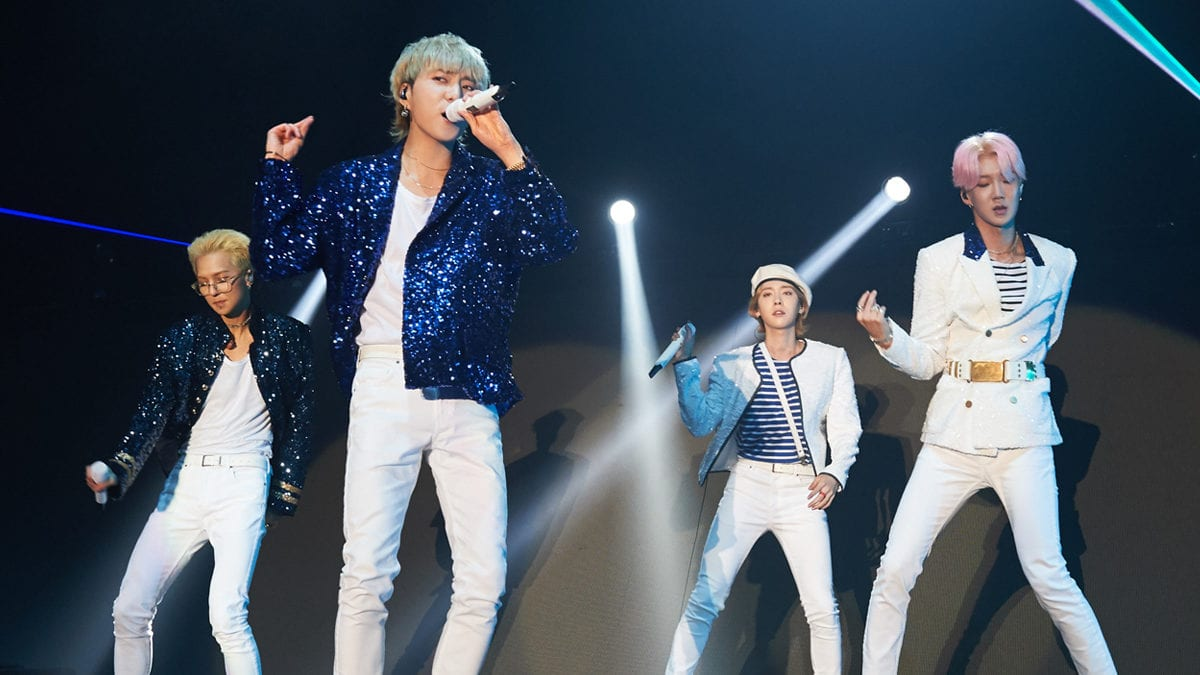"""WINNER concludes first Singapore solo concert with """"Singercircle"""""""