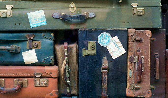 Top 5 Travel Essentials For Your Bangkok Trip