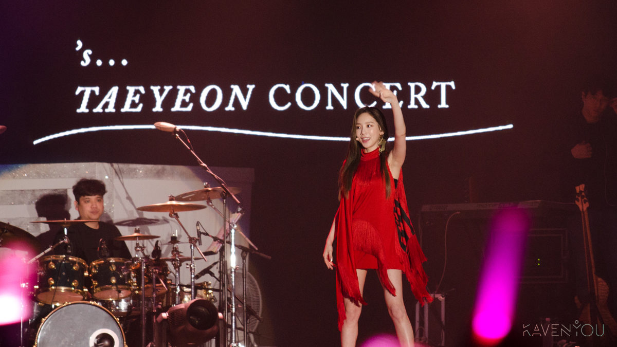 Taeyeon draws the curtains for 'S... Taeyeon Concert tour in Singapore