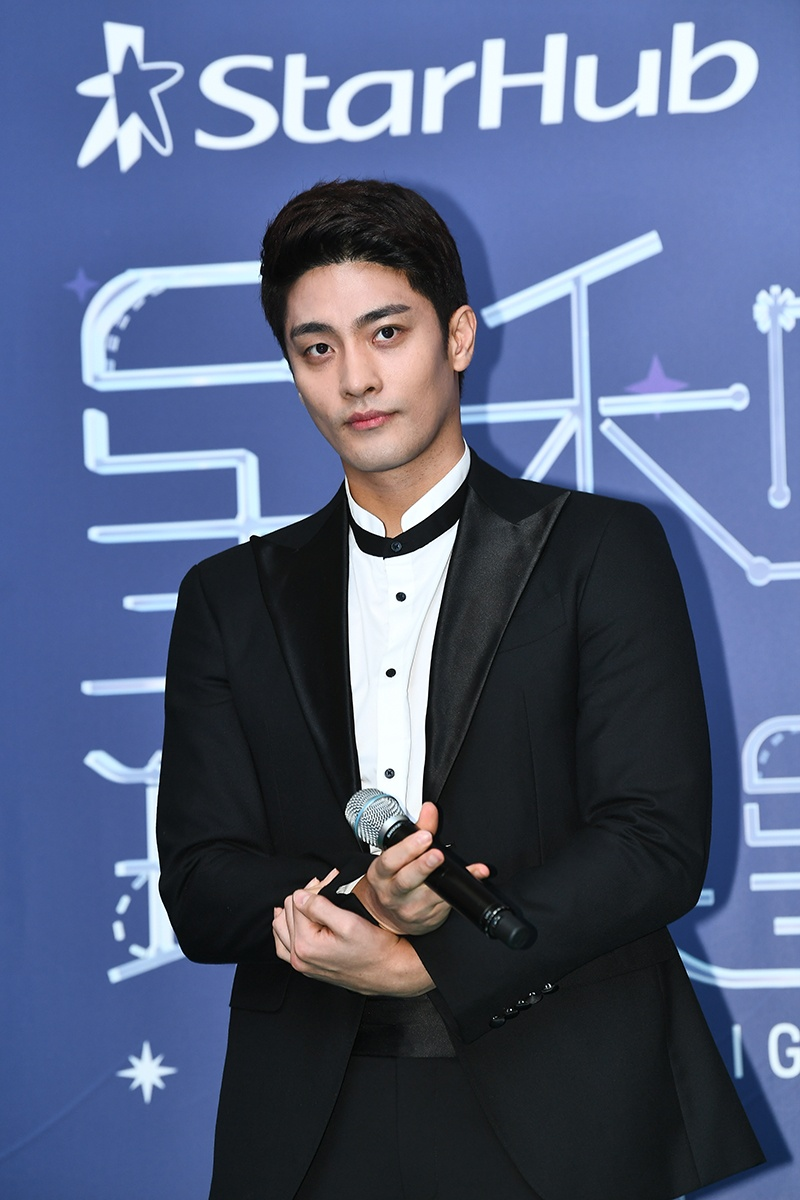 StarHub Night of Stars Sung Hoon I live Alone